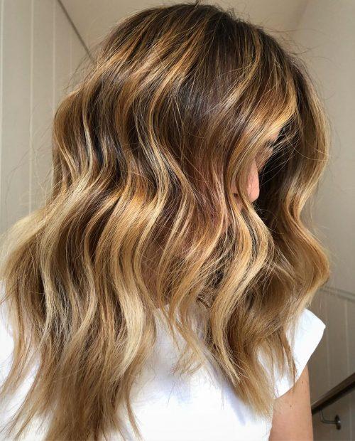 Cheveux bruns brillants