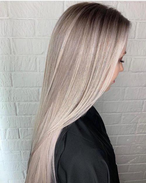 Balayage blond cendré sur cheveux raides
