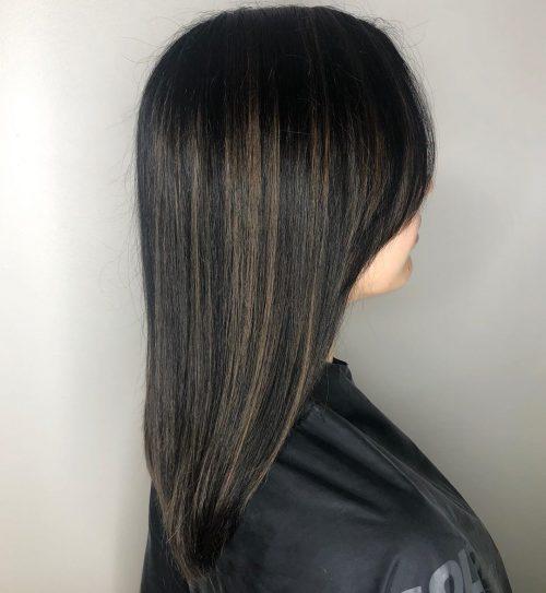 Balayage cheveux foncés et raides
