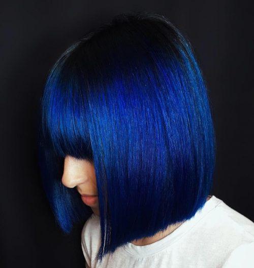 Couleur de cheveux courts bleu foncé