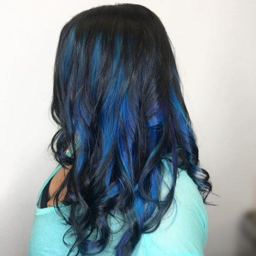 Mèches noires et bleu foncé