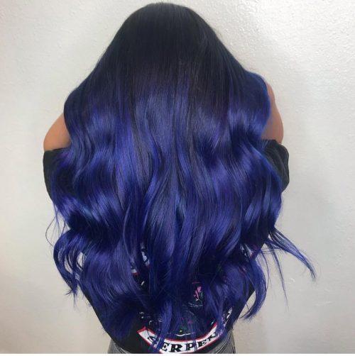 Couleur de cheveux bleu royal foncé