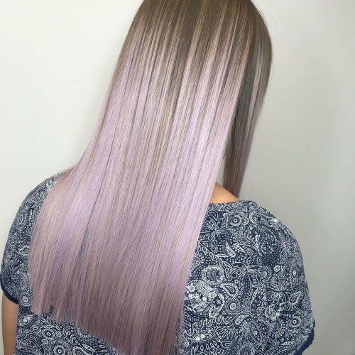 Couleur de cheveux lilas clair