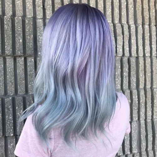 Bleu ciel et violet métallisés