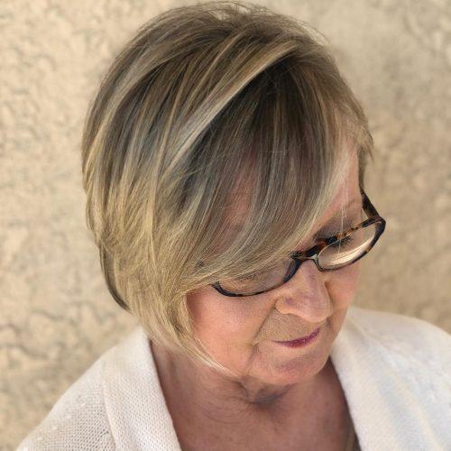 Coupe volumineuse pour les femmes aux cheveux fins