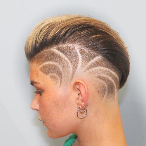 Motif radial tendance sur une coupe arrière gominée pour cheveux courts