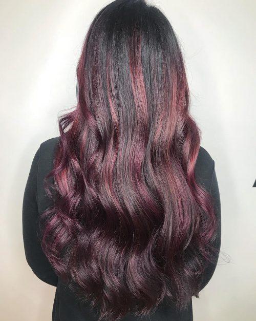 couleur balayage rouge prune