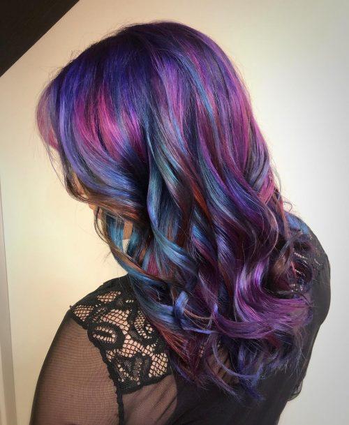 Bleu et rouge-violet