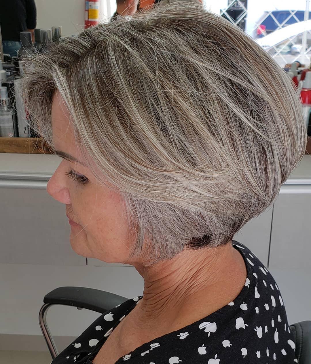 Coupe texturée et dégradée pour cheveux épais