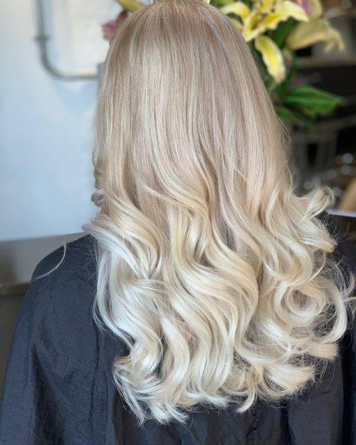 Blond glacé foncé à clair Sombre