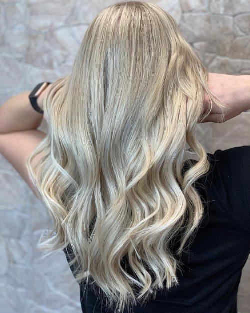 Balayage blond cendré glacé