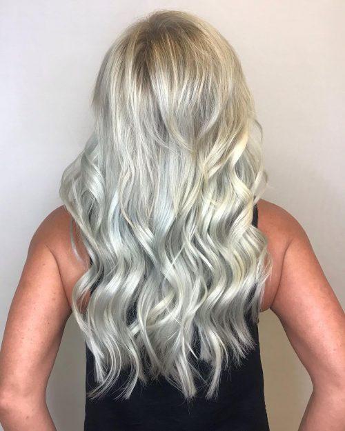 Balayage blond glacé platine