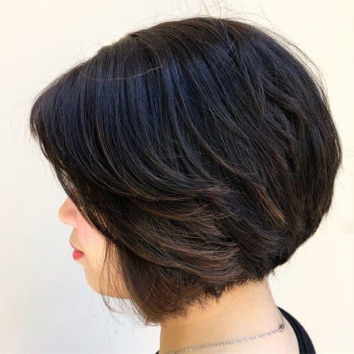 coupe de cheveux en coin parfaite pour les cheveux épais