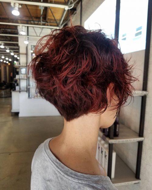 Superbes cheveux courts
