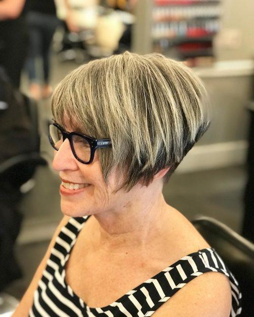 La coupe de cheveux classique en coin