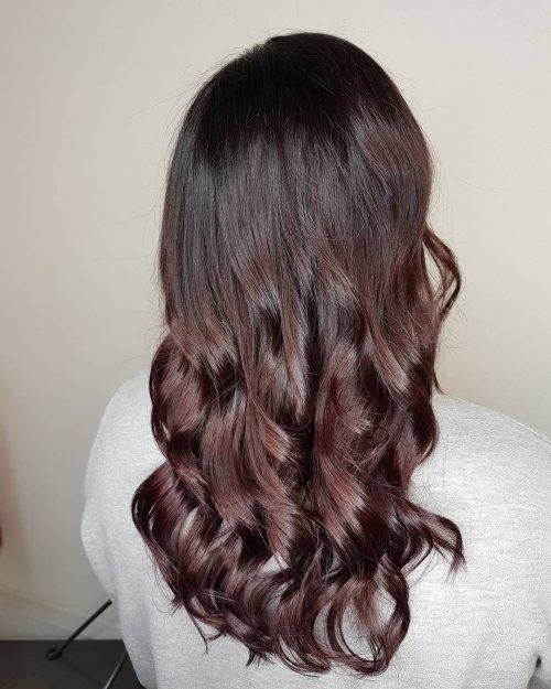 Couleur de cheveux rouge bourgogne foncé