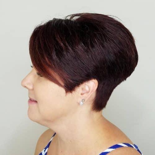 Coupe de cheveux super courte et dégradée