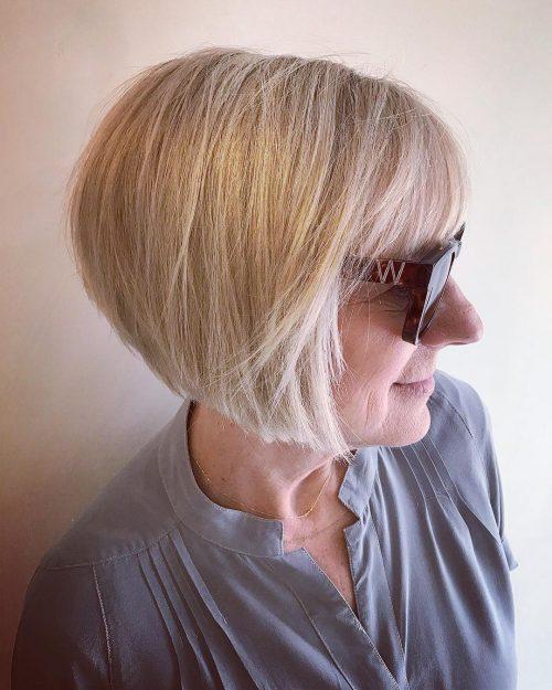 Bob blond empilé pour plus de 50 ans