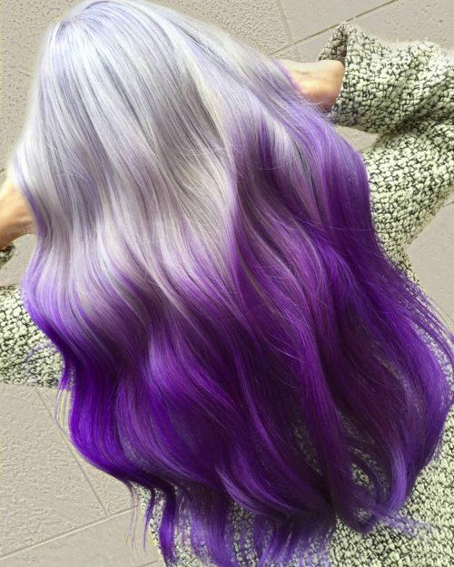 Couleur de cheveux ombre argentée et violette