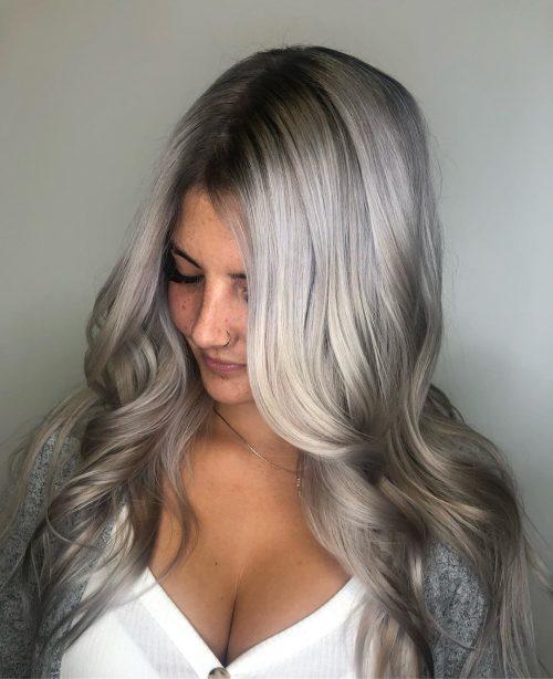 Couleur de cheveux ombre blanc argenté