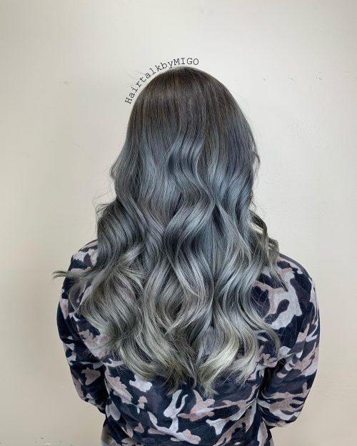 Couleur de cheveux ombre bleu argenté