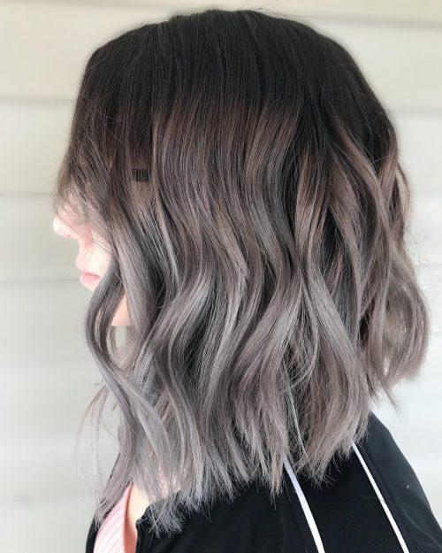 Ombre argentée sur cheveux bruns foncés