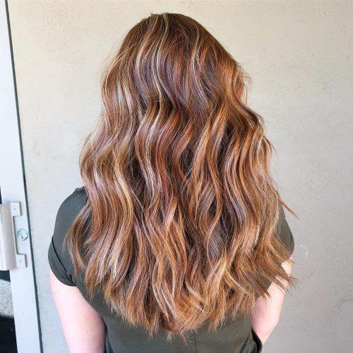 Des lumières basses subtiles pour les cheveux roux