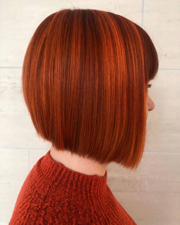 Cheveux roux courts pour les filles