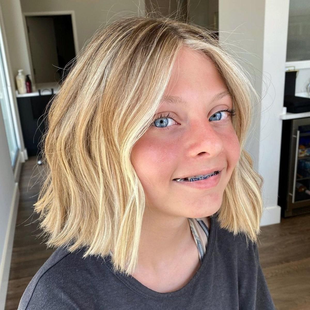 Coiffure de cheveux courts pour les filles