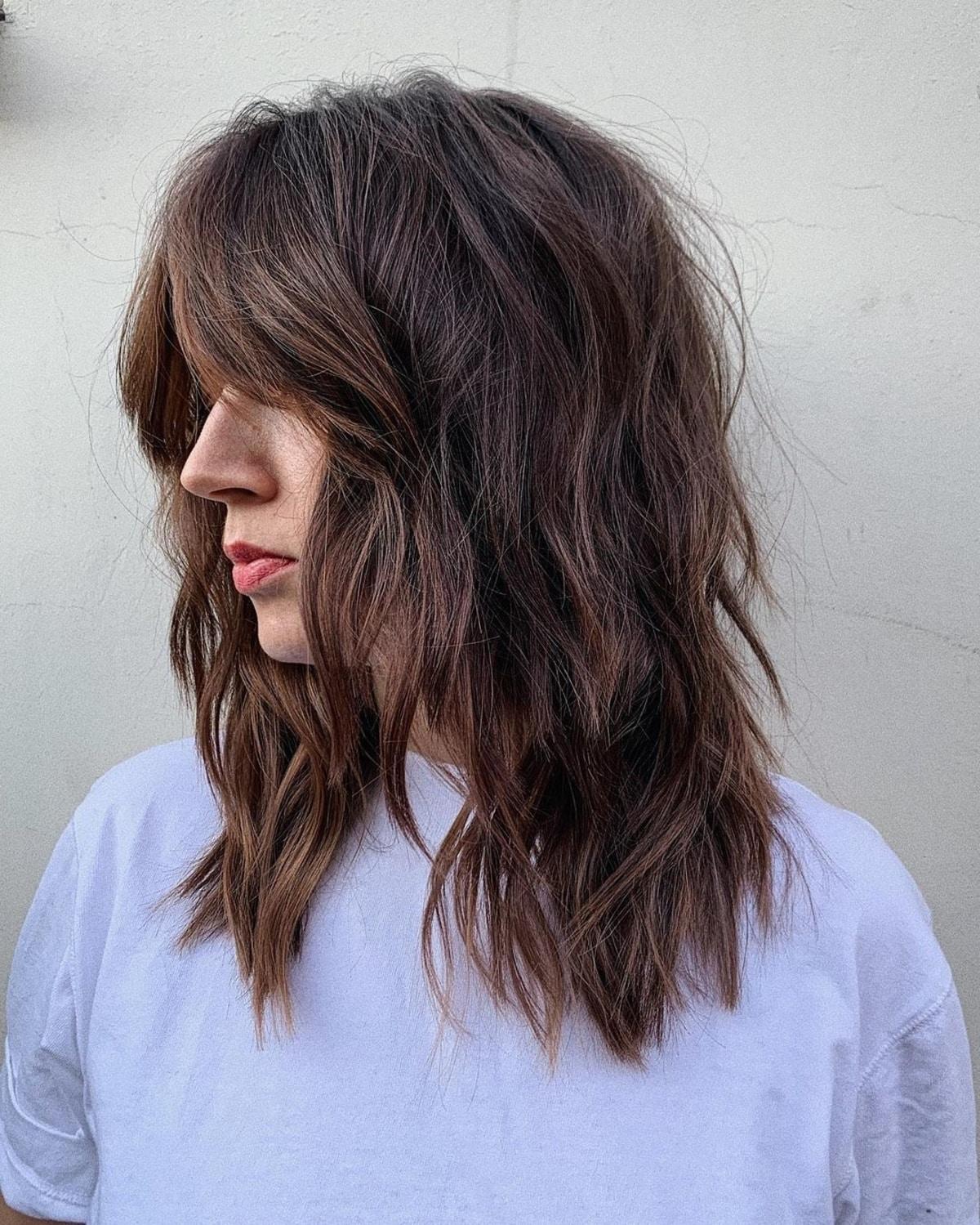 Coupe de cheveux mi-longue des années 70