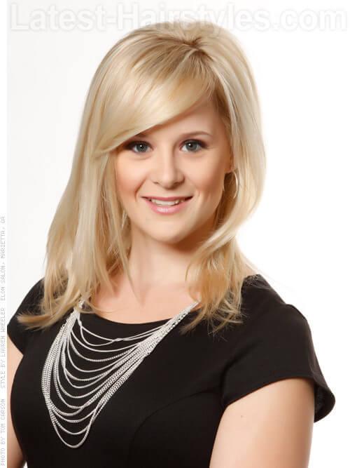 Coiffure complète blonde à gros cheveux pour cheveux clairsemés