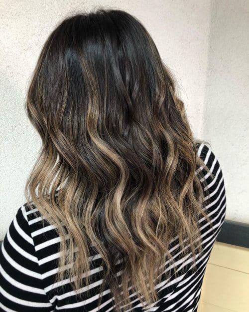Couleur de cheveux ombre Balayage foncé