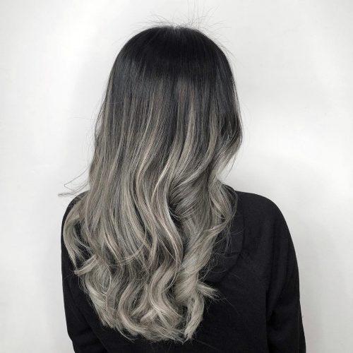 Couleur de cheveux ombre gris foncé