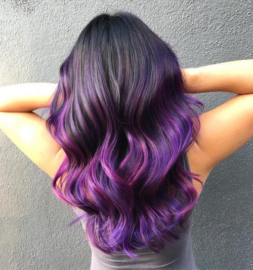 Couleur de cheveux ombre violet foncé