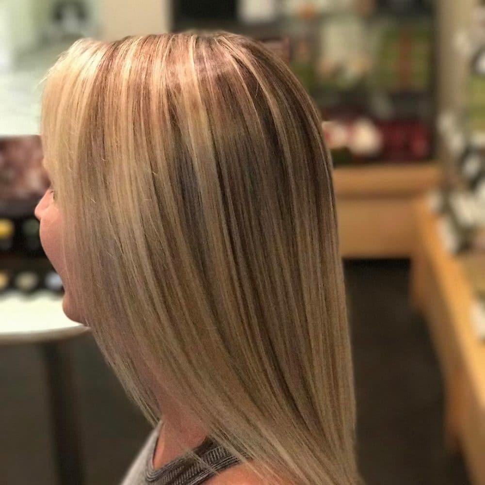 Coiffure blonde lumineuse pour cheveux fins