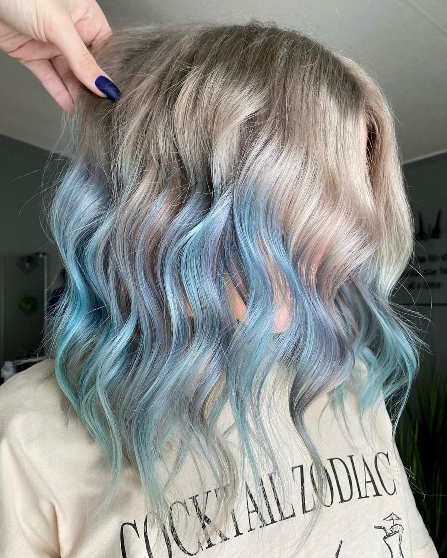 Ombre sur cheveux bleu pastel