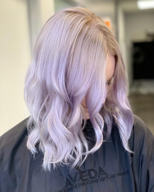 Couleur de cheveux violet pastel