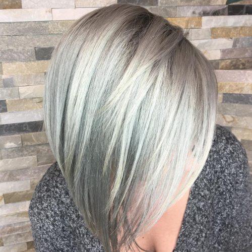 Couleur de cheveux gris pastel