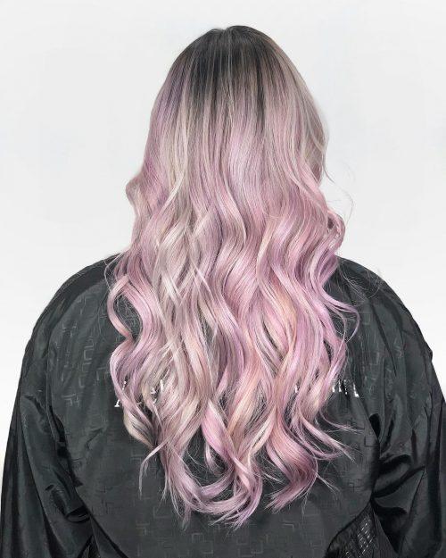 Cheveux en peluche rose pâle pastel