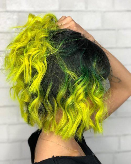 Couleur de cheveux vert et jaune
