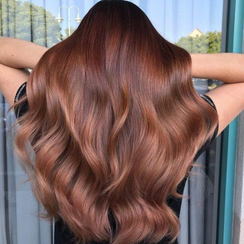 Couleur de cheveux brun châtain rougeâtre