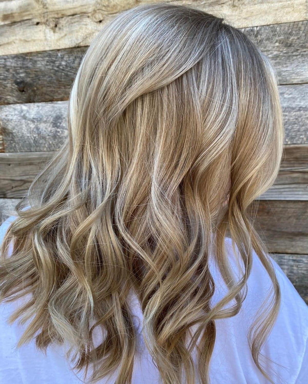 Blond crémeux sableux