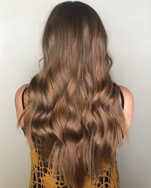 Cheveux super longs coupés en V