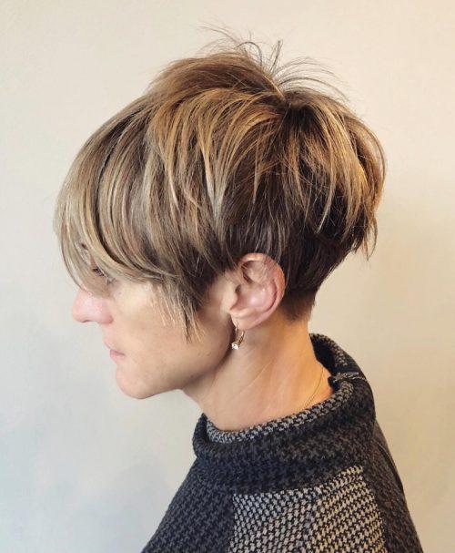 Ombre foncée sur cheveux courts
