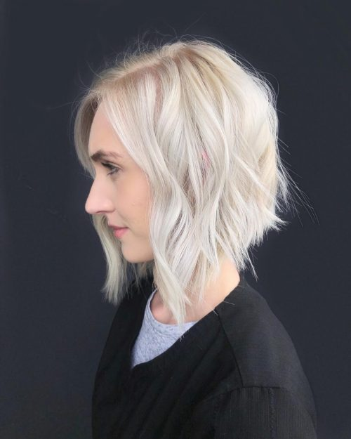 Coupe blonde platine