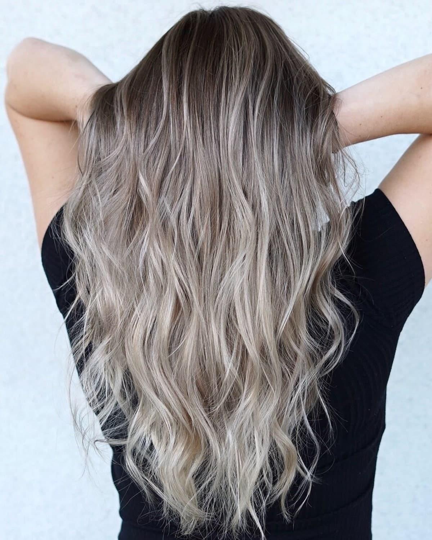 Balayage blond sable sur cheveux foncés