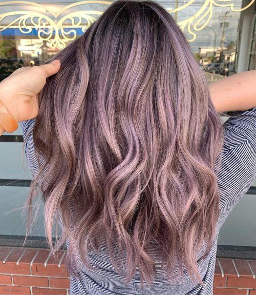 Couleur de cheveux Ash Blonde Violet