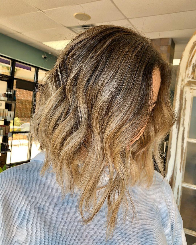 Coiffure moyenne blonde + balayage brun