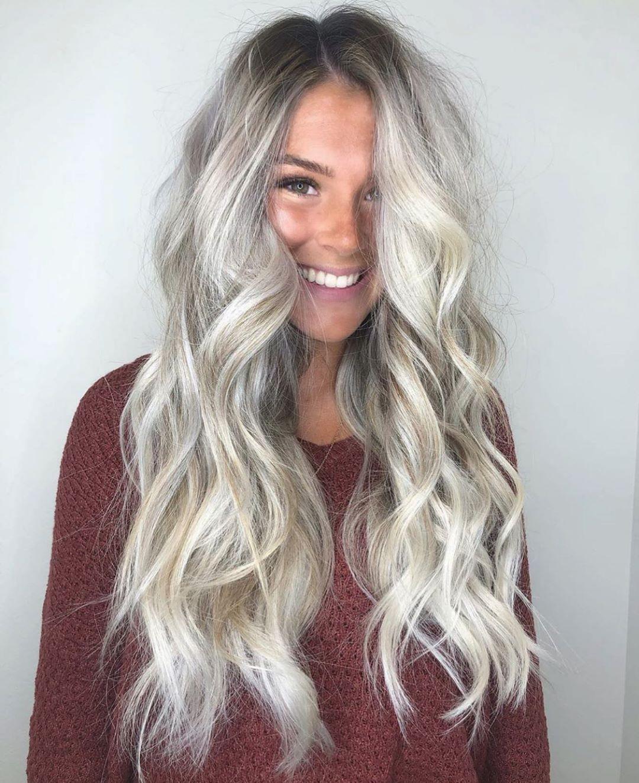 cheveux blond cendré argenté clair
