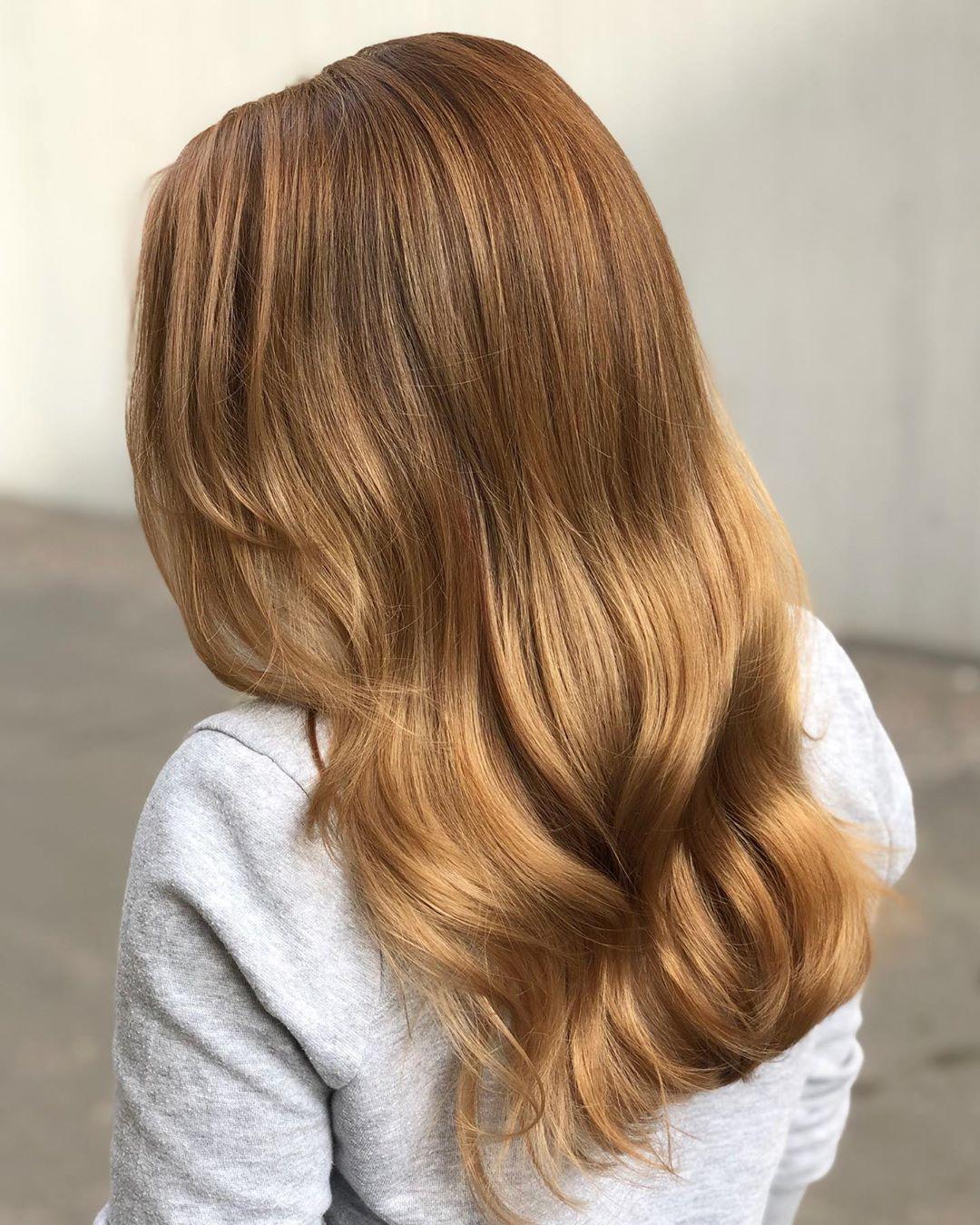 Brun doré clair sur cheveux naturels